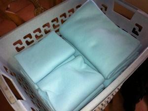 ikea f r papageien irma fleece decke sch tzt m bel und. Black Bedroom Furniture Sets. Home Design Ideas